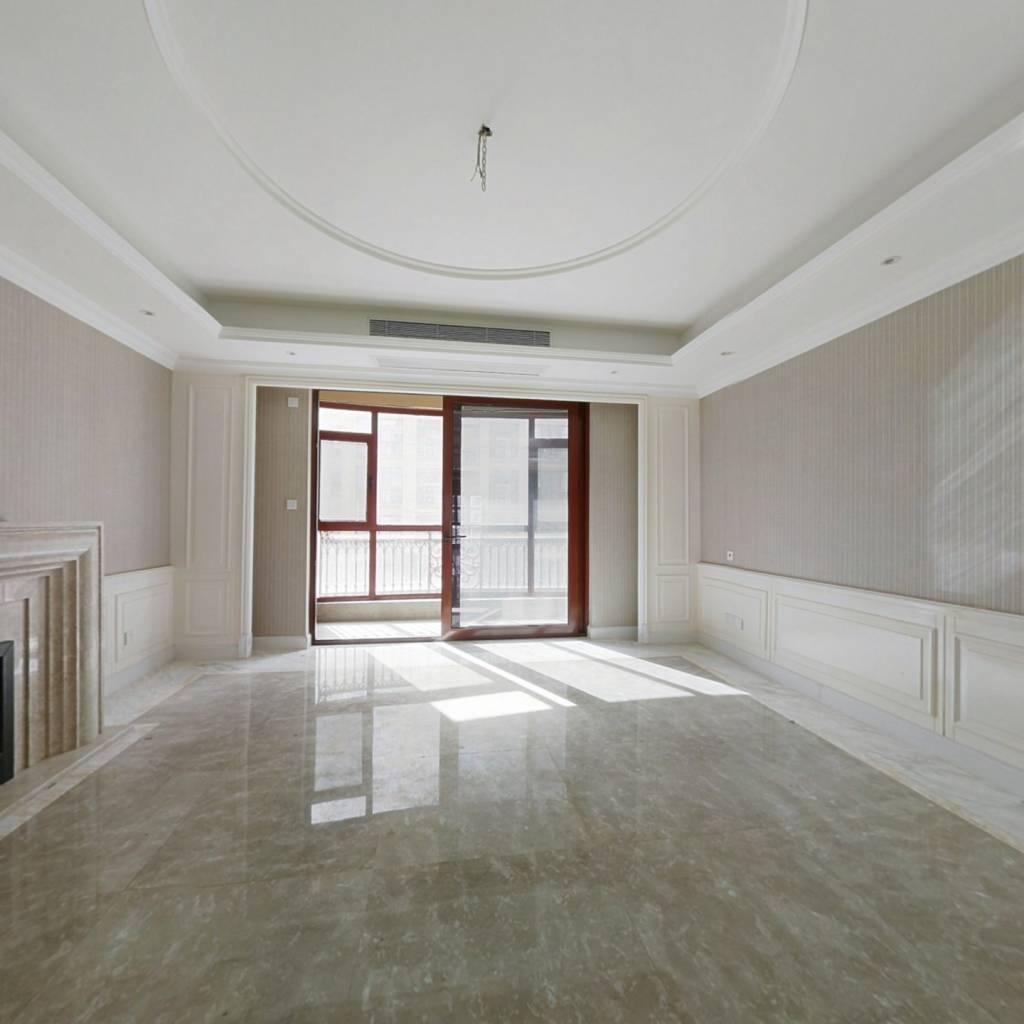 荣禾曲池东岸四房四卫三厅白色系装修