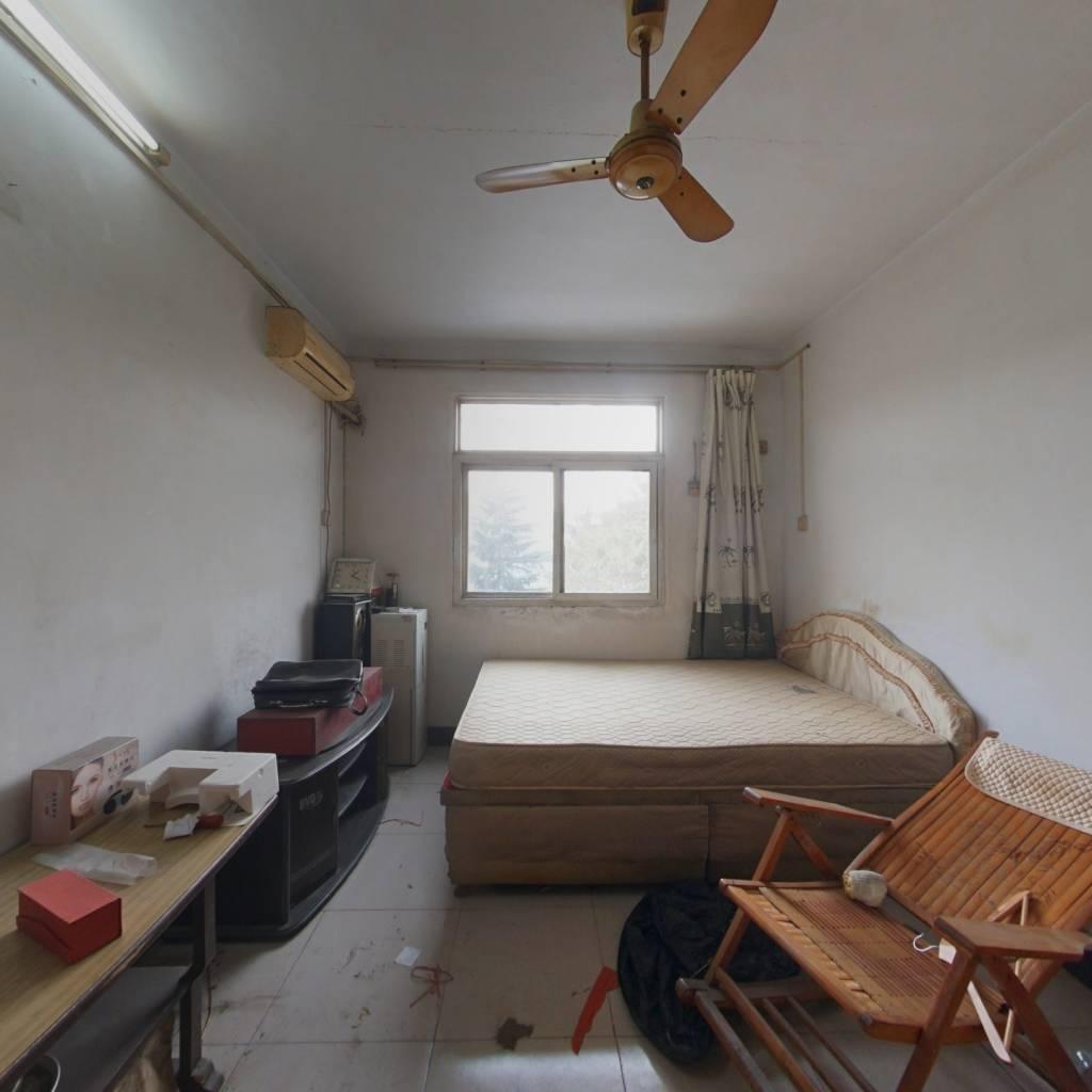 河 医附 近一室一厅,公摊小,看房方便