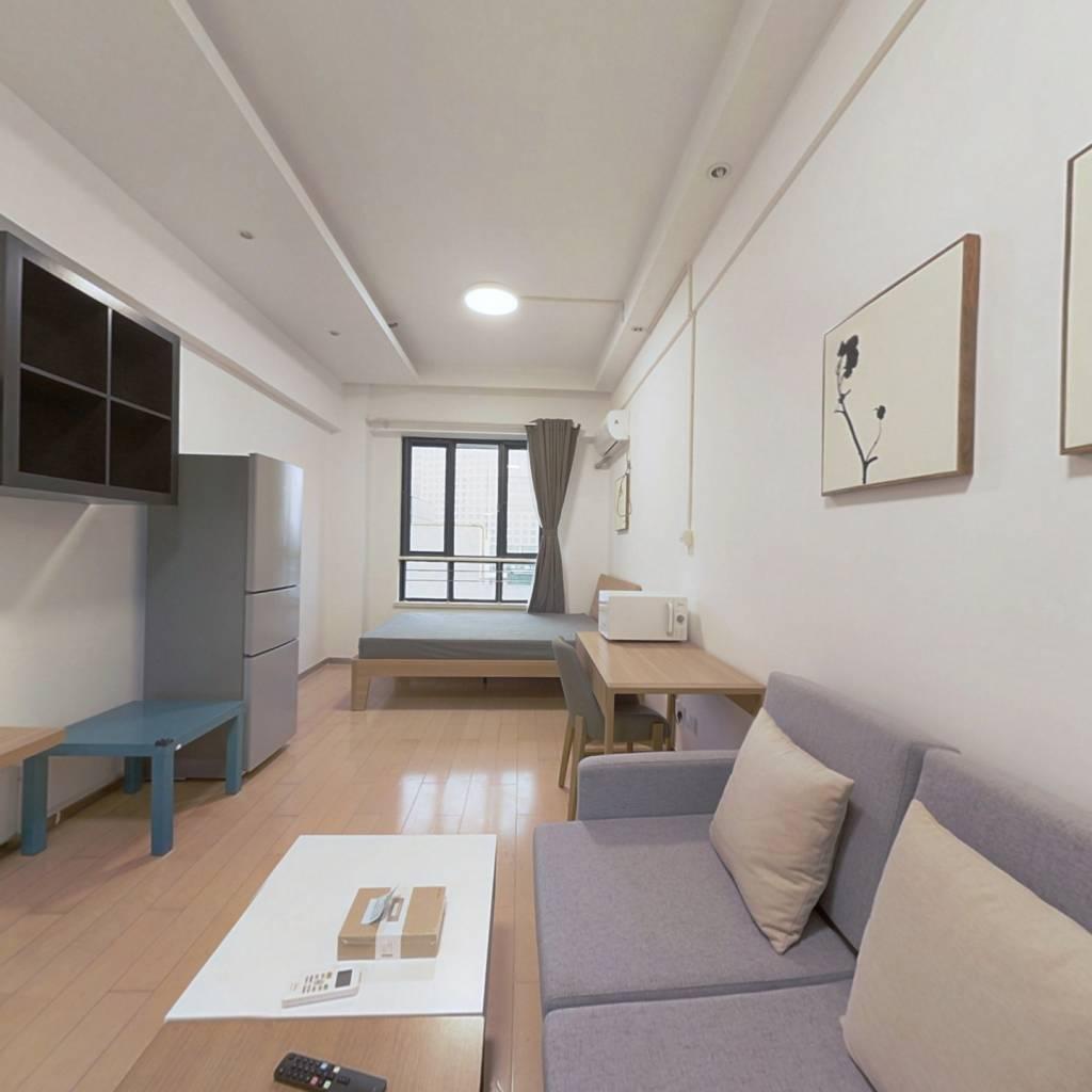 整租·新城市广场摩尔特区 1室1厅 西卧室图