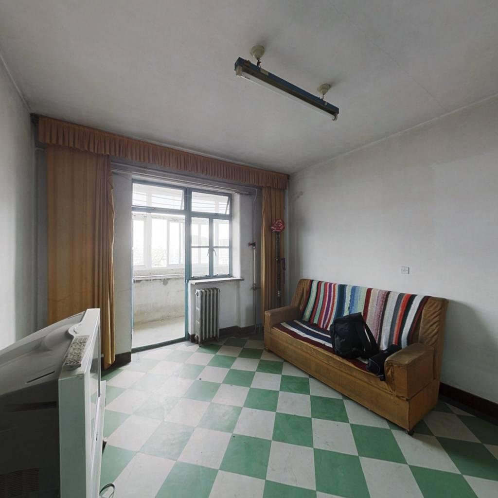 西运两室简装干净,房主诚意卖房,有看房的提前联系