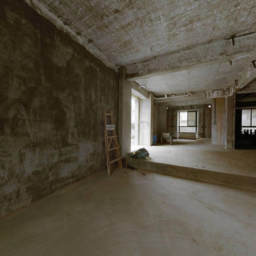 双拼别墅 3层复式 松花园地下室 使用面积大