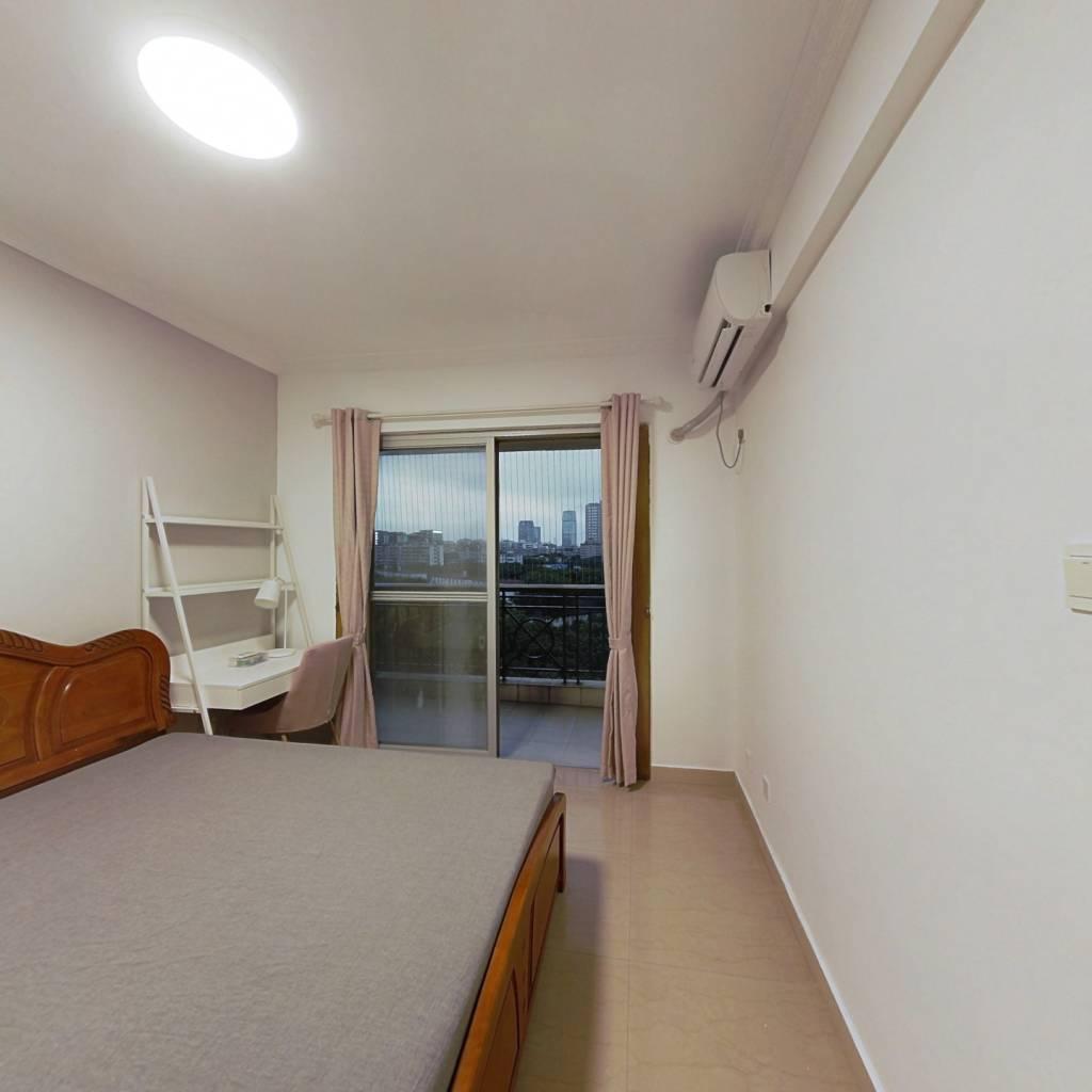 合租·白云高尔夫花园西区 4室1厅 南卧室图