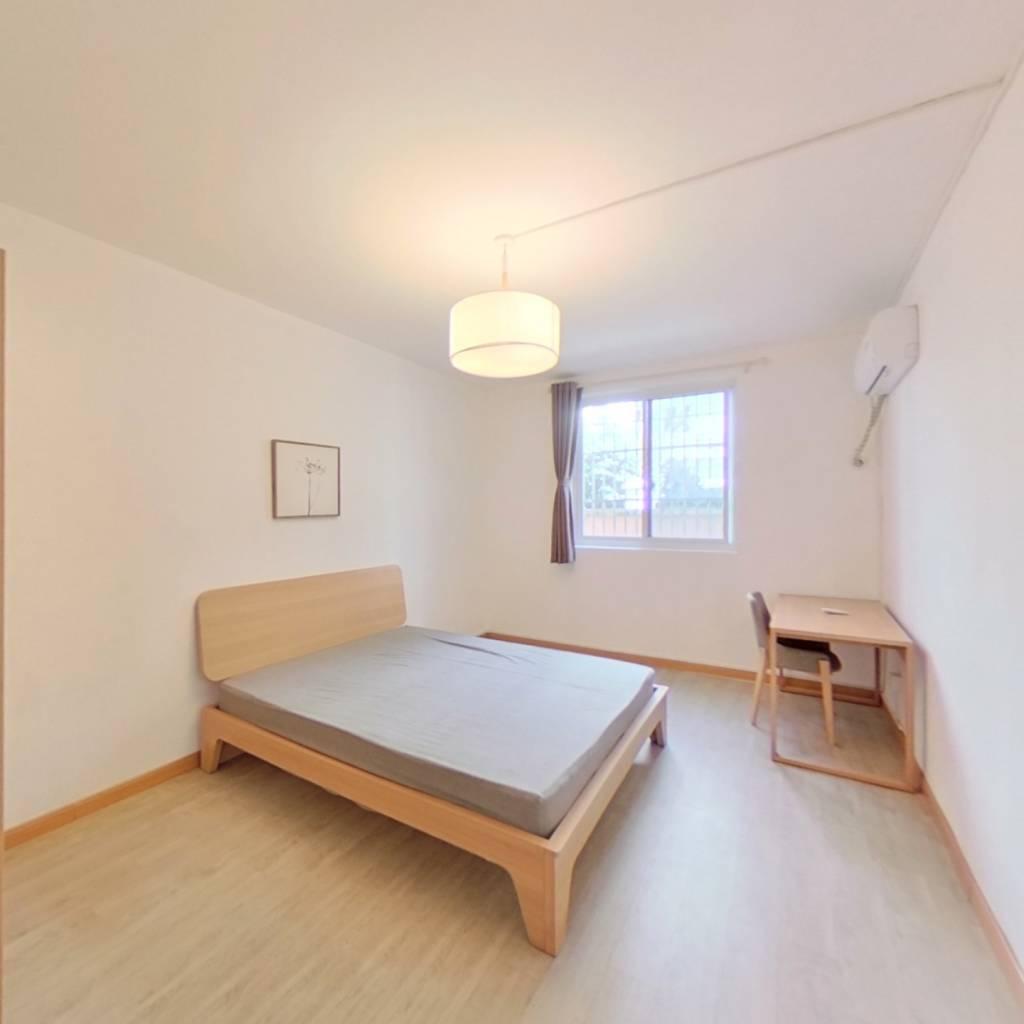 整租·泰康路10弄 2室1厅 东卧室图