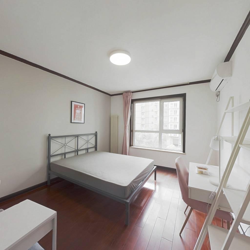 合租·万年花城二期 3室1厅 南卧室图