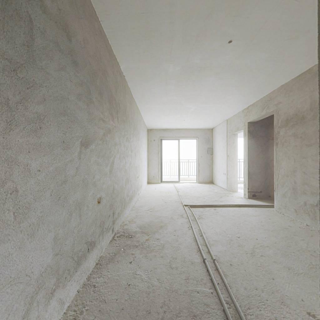 紧凑舒适型三房,看江景,视野开阔