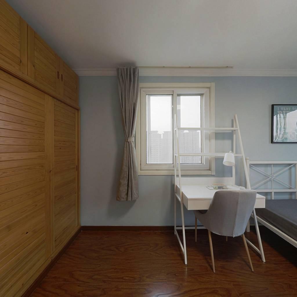 合租·紫萝园 3室1厅 西卧室图