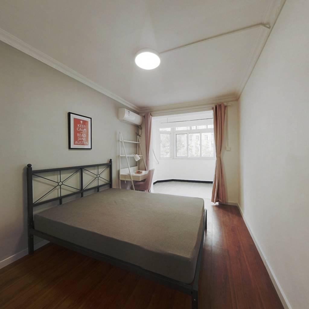 合租·虹园六村 3室1厅 西卧室图