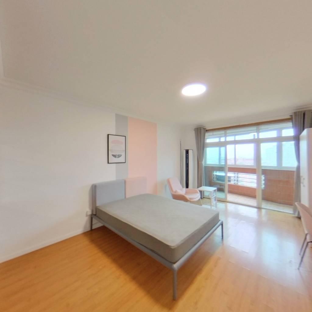 合租·鸿发家园 4室1厅 南卧室图