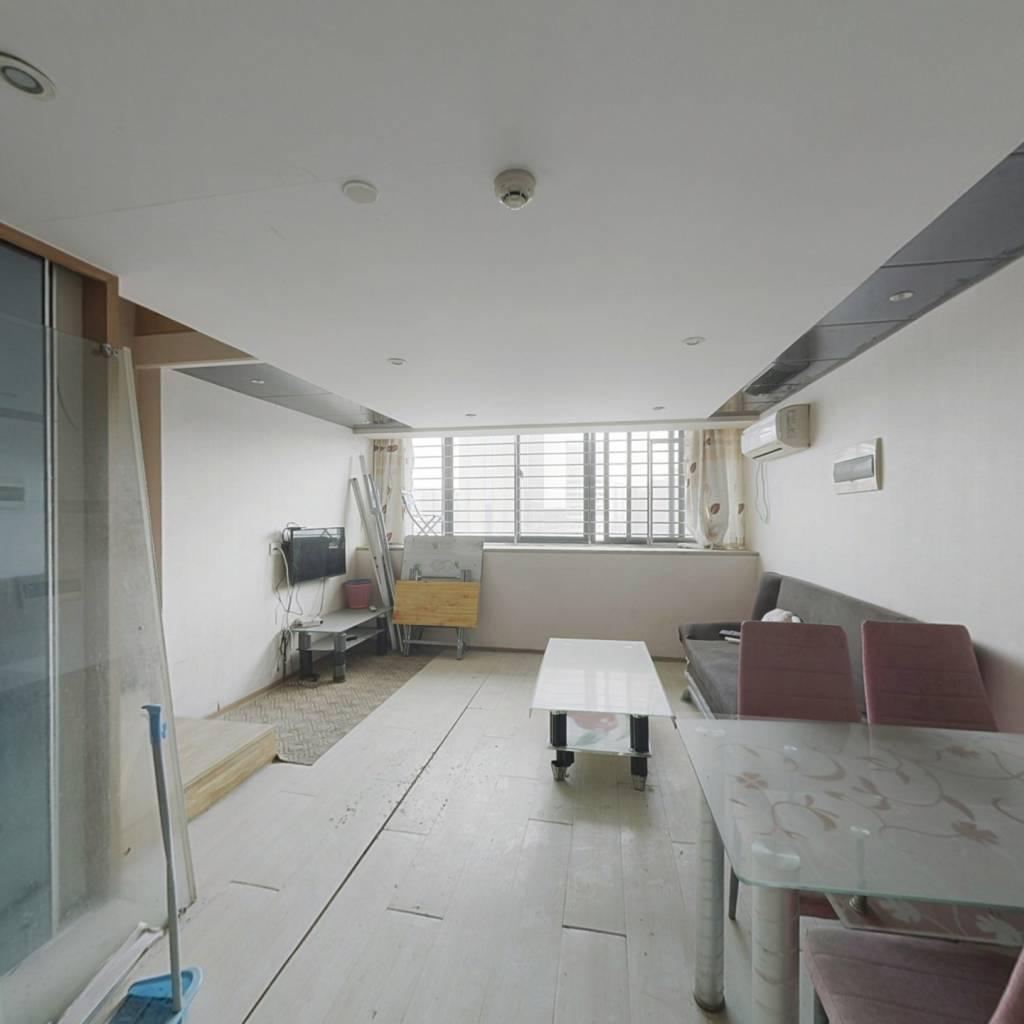 明海复式公寓 繁华地段 精装修 拎包入住 诚心出售