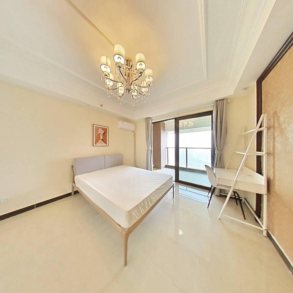 合租·恒大天府半岛三期 4室1厅 东南卧室图