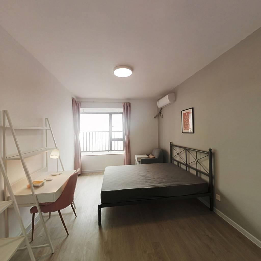 合租·世茂江滨花园峻景湾 5室1厅 北卧室图