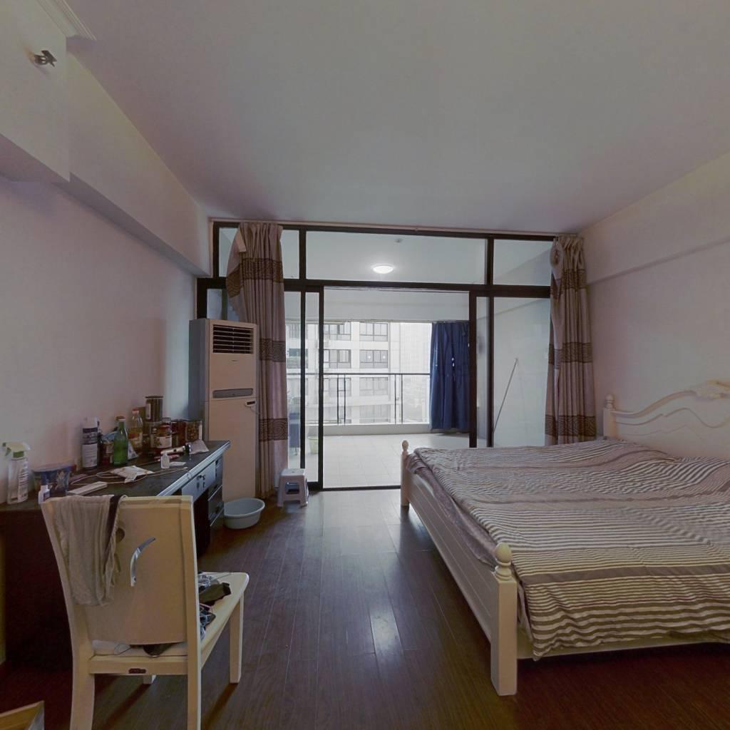 整租·重庆湾1号 1室1厅 东南