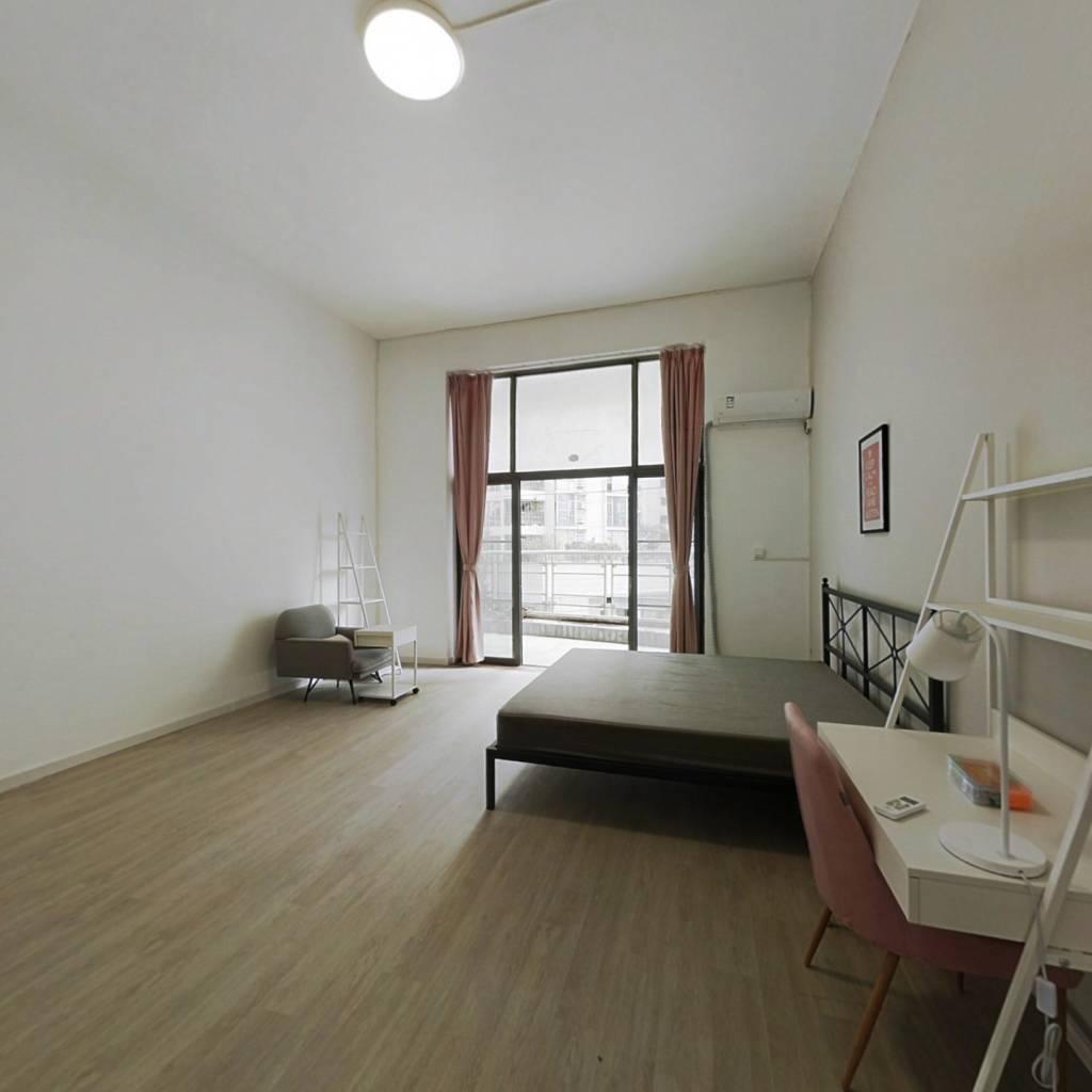 合租·新光城市广场 5室1厅 西卧室图
