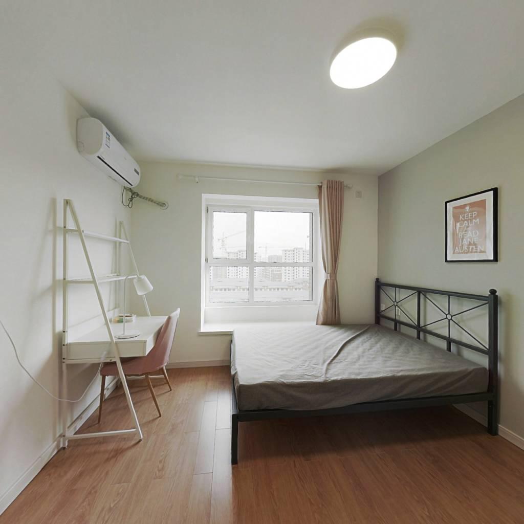 合租·万科民和巷 3室1厅 南卧室图