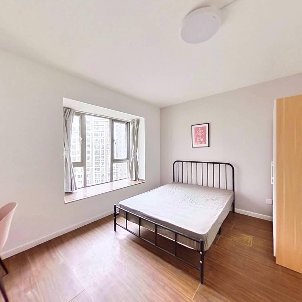 合租·中海兰庭 5室1厅 西卧室图