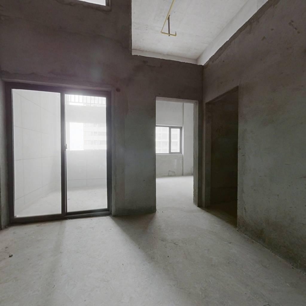 复式大三房有阳台  采光良好 户型方正