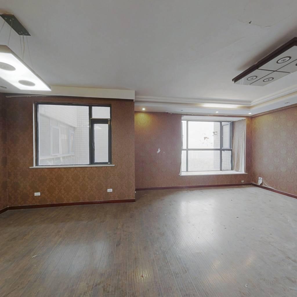 世纪城龙吉苑 5室2厅 南 北