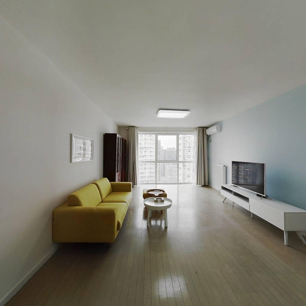 整租·远洋天地二期 2室1厅 东北卧室图