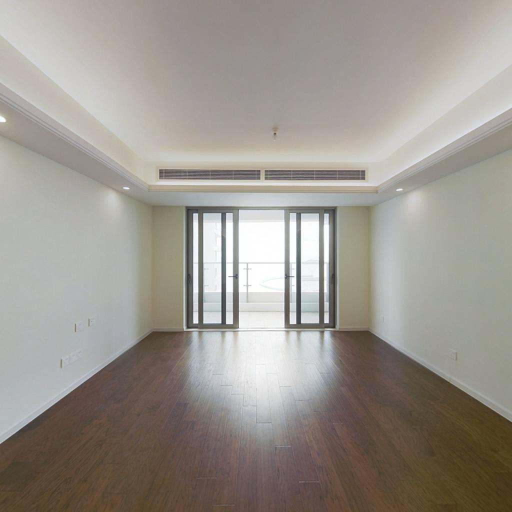 格力海岸三期136平4房 精装修 高层一线海景