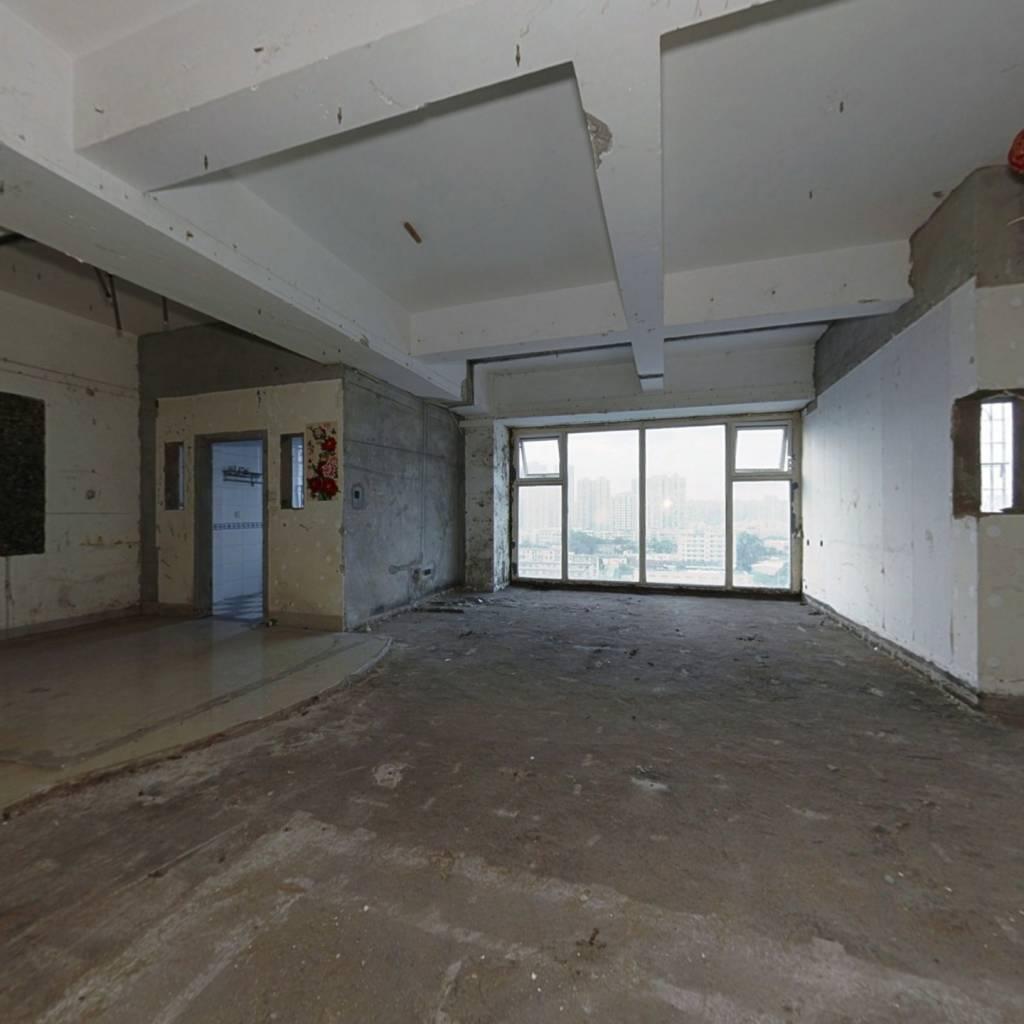 杏东电梯房,大空间,适合家有老小,人口多的家庭!