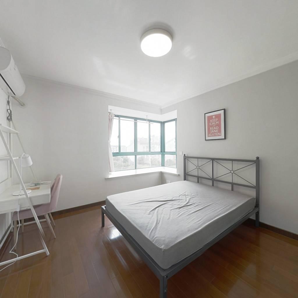 合租·川杨新苑(一期) 3室1厅 南卧室图
