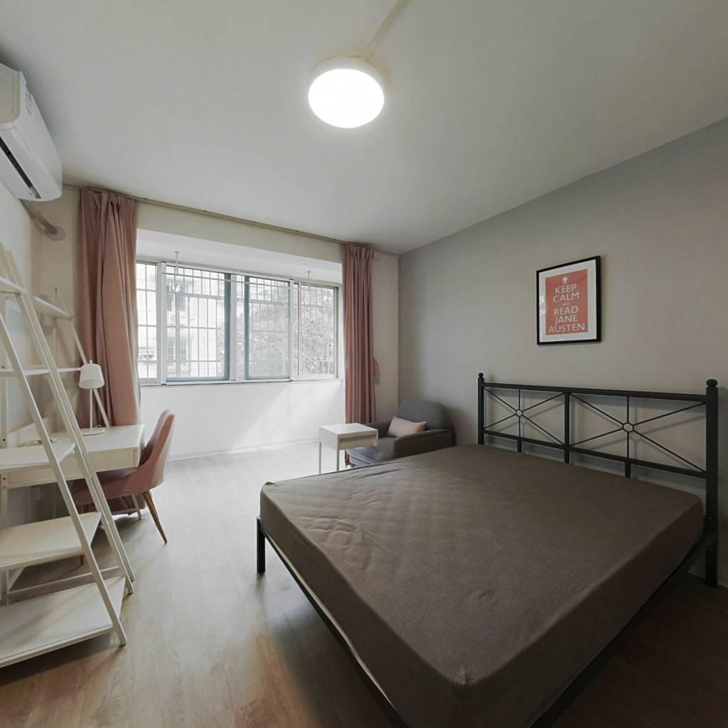 合租·大塘新村 4室1厅 北卧室图