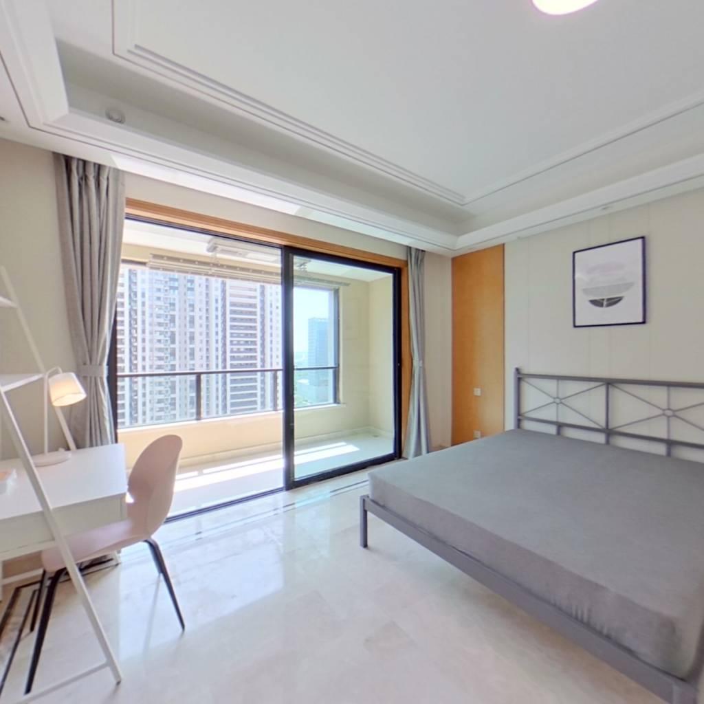 合租·绿地华侨城海珀滨江 5室1厅 南卧室图