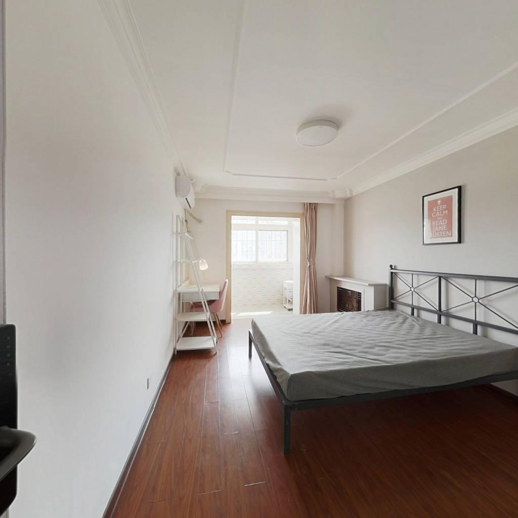 合租·万隆花园 3室1厅 北卧室图