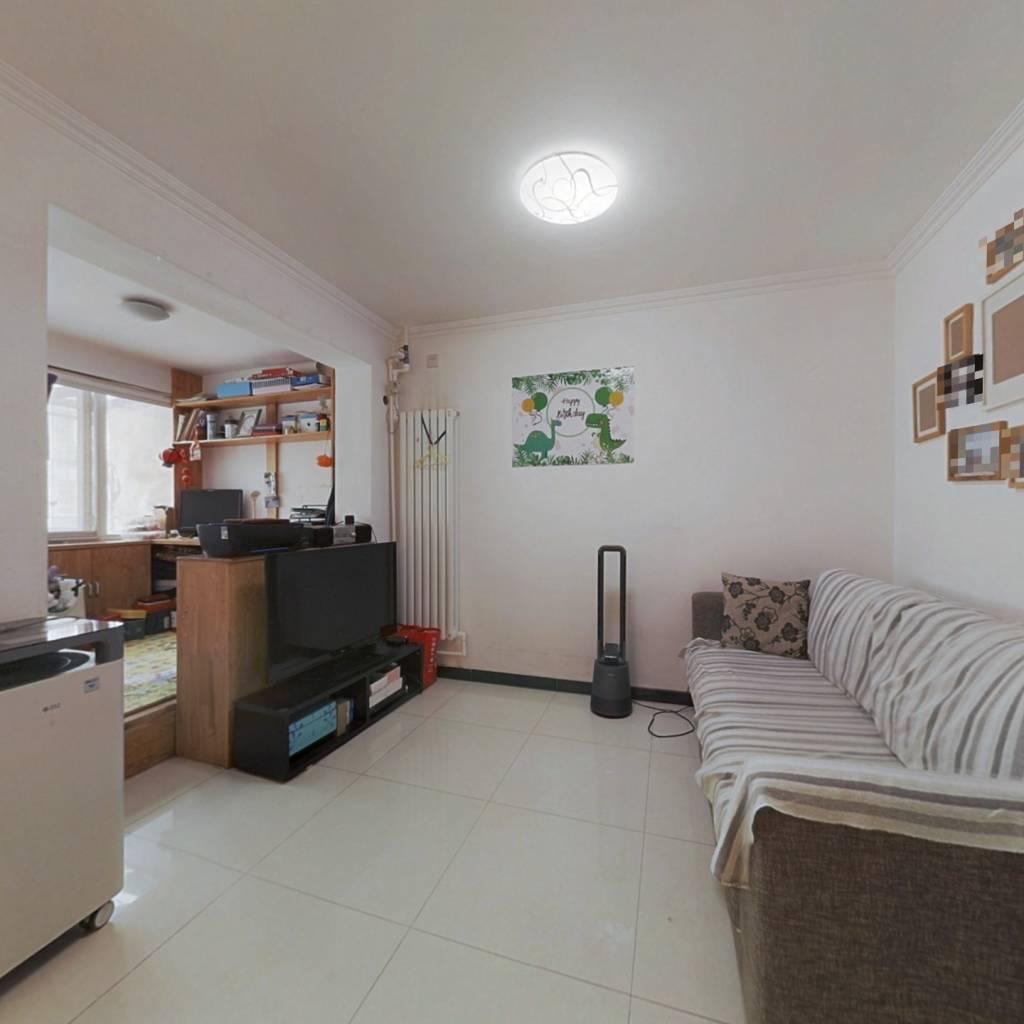 十号线牡丹园,精装通透两居有正规客厅,诚意出售