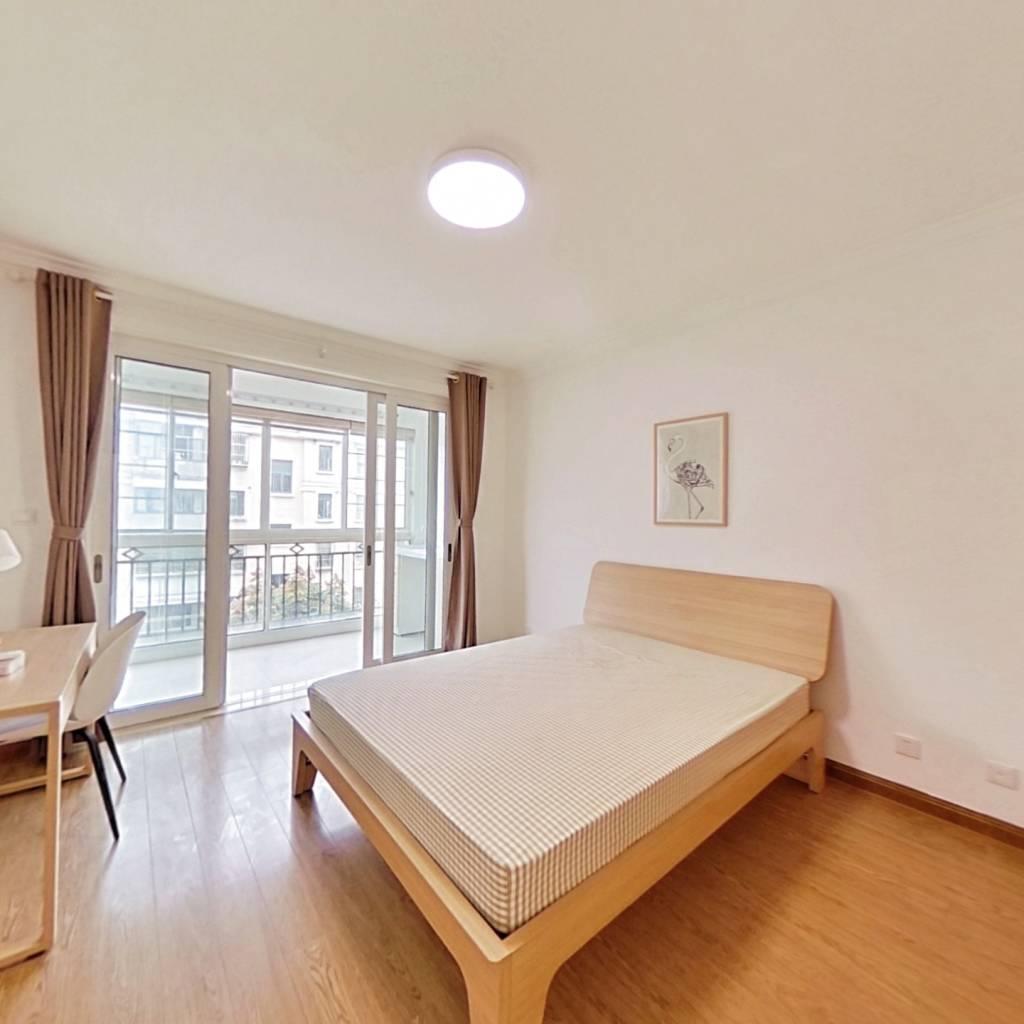 合租·新泾家苑 3室1厅 北卧室图
