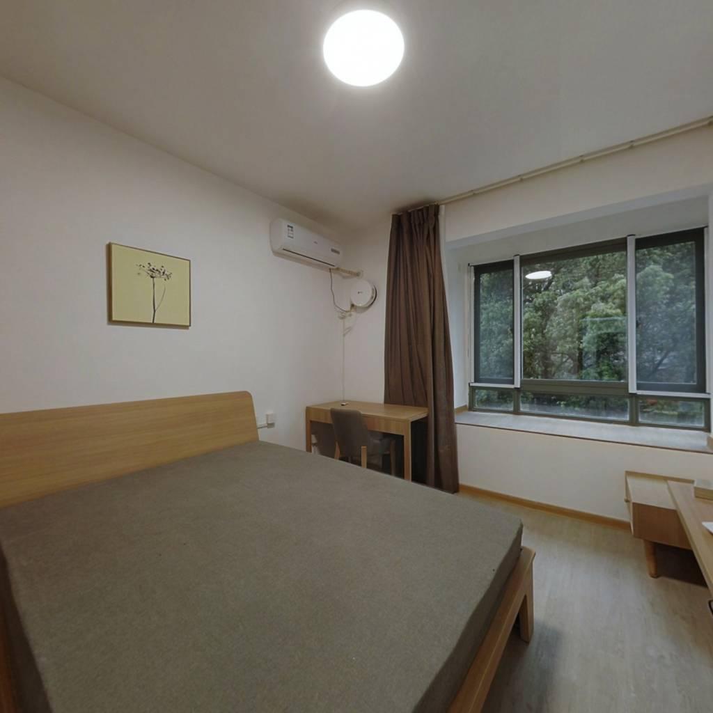整租·红街公寓 2室1厅 南卧室图