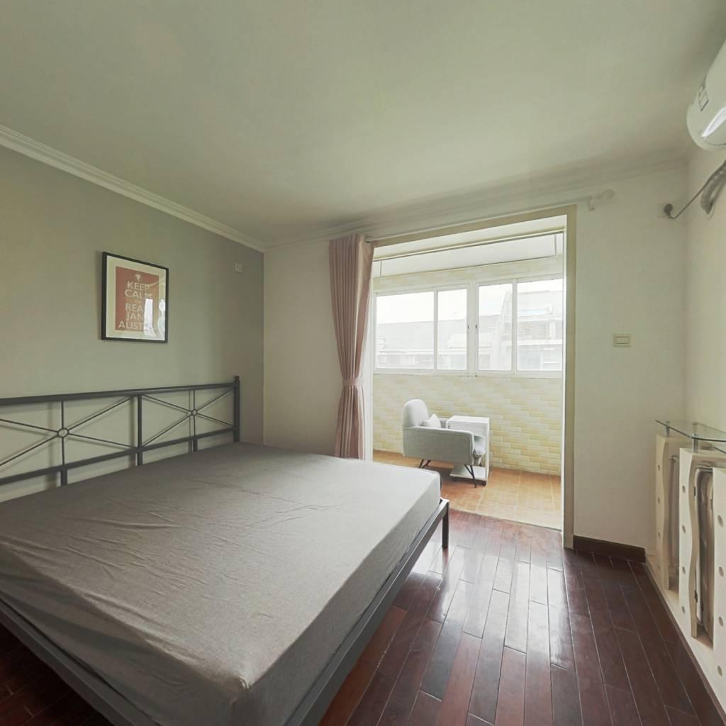 合租·宁馨苑 5室1厅 北卧室图