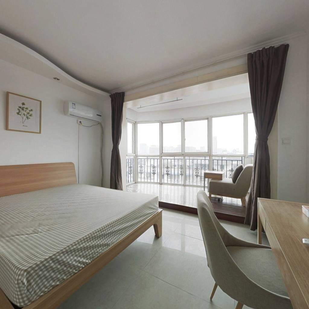 合租·锦汇花园 3室1厅 东卧室图