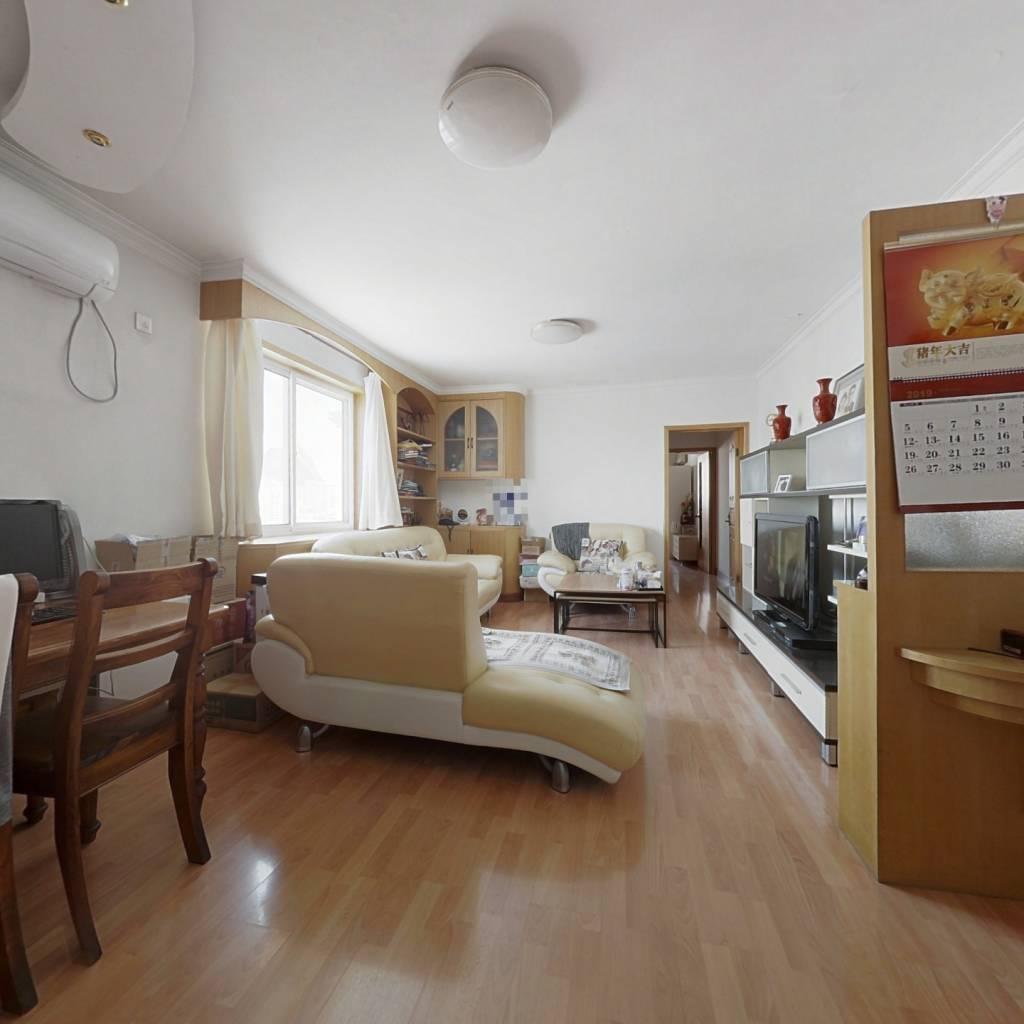 1999年 楼龄新 两室一厅 明厨明卫 采光好 有电梯