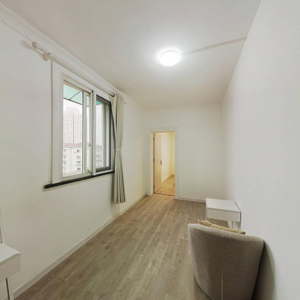 合租·梅陇一村 3室1厅 北卧室图