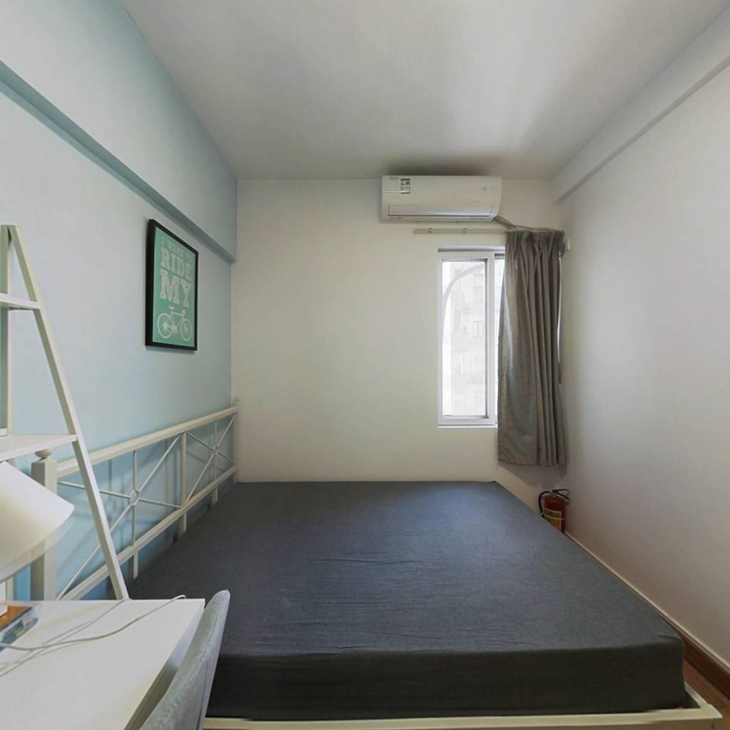 合租·东兴大厦 4室1厅 西卧室图