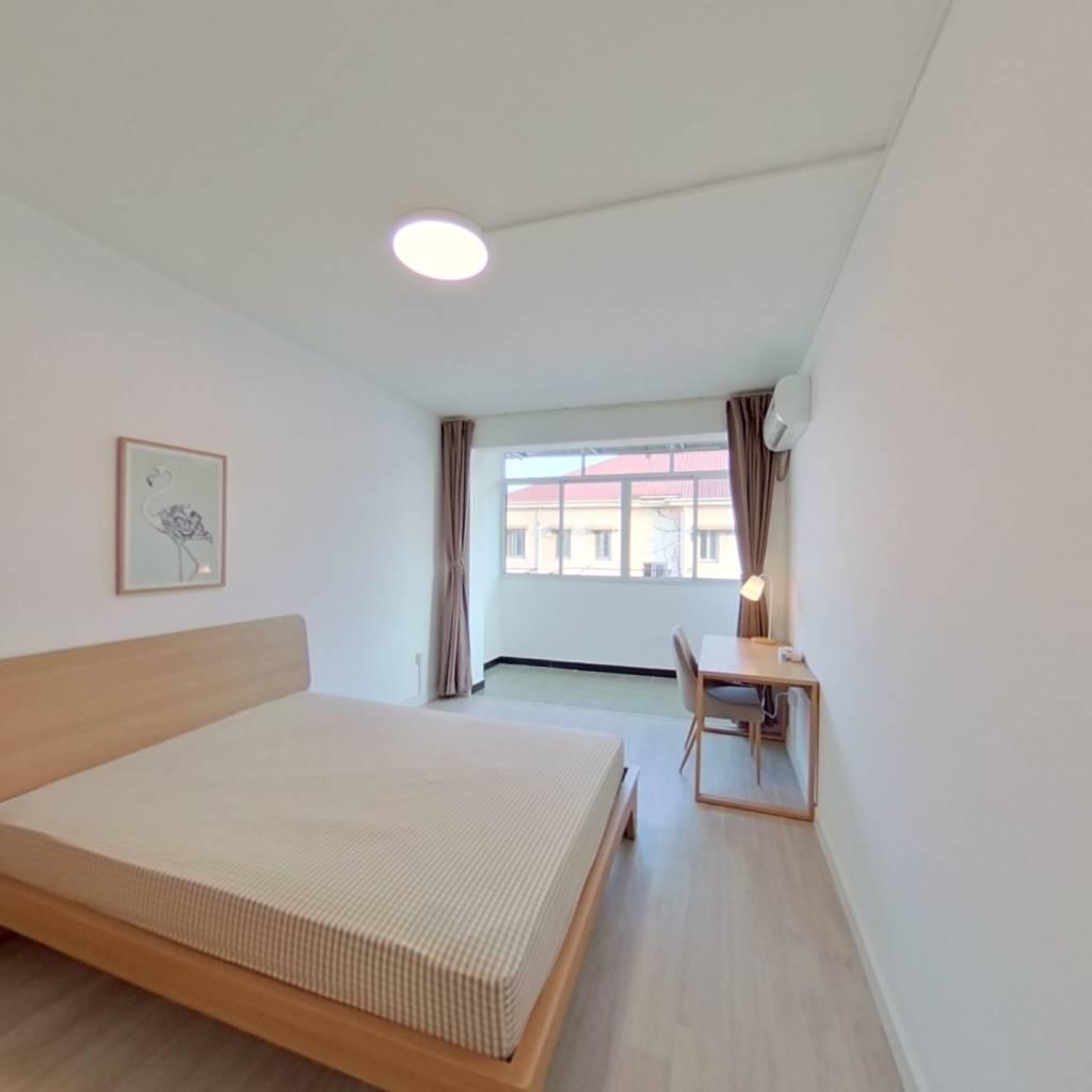 合租·玉峰花园 4室1厅 北卧室图
