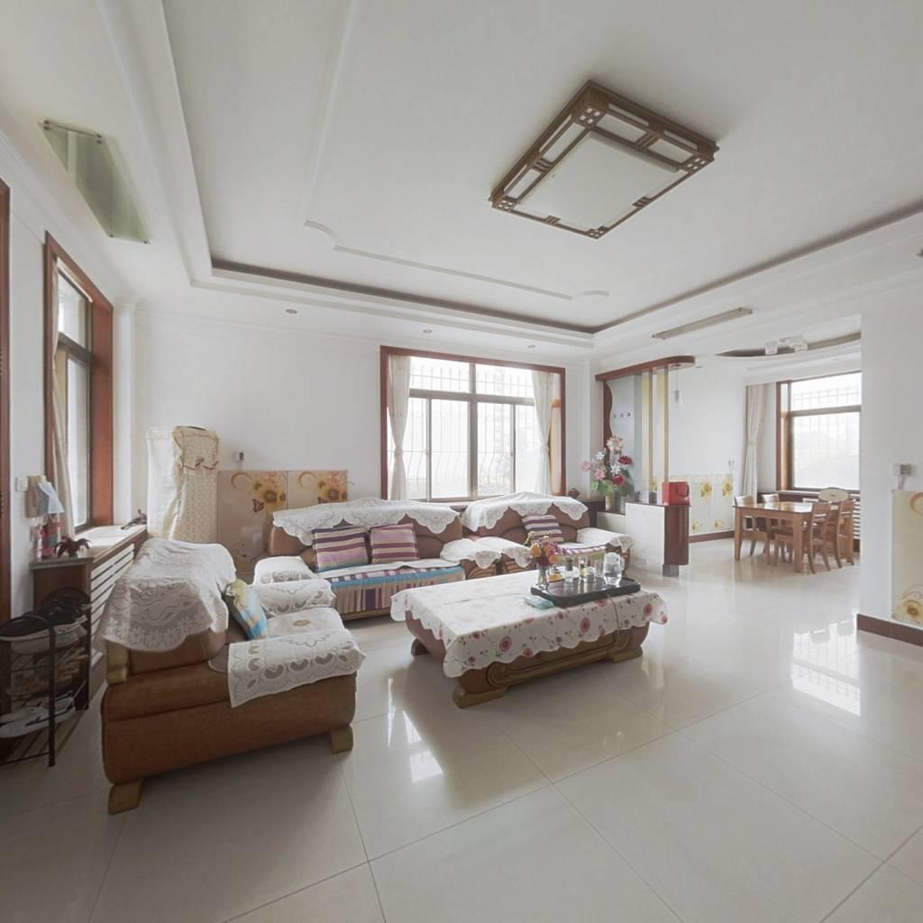 京蓬别墅1楼2楼  249平米 加阁楼 精装修 420万