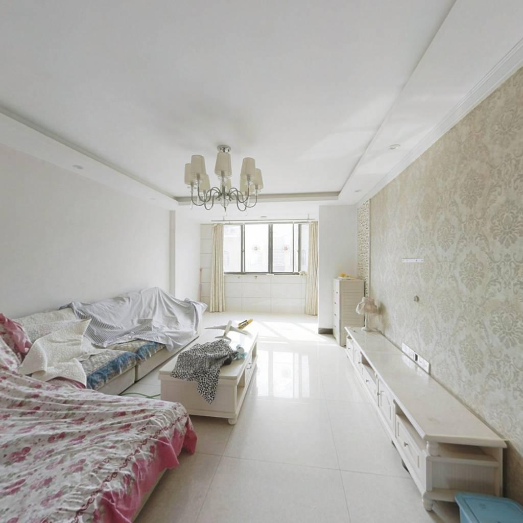 房东自住洋房复式楼 楼上利用率大 小区环境好配套齐全