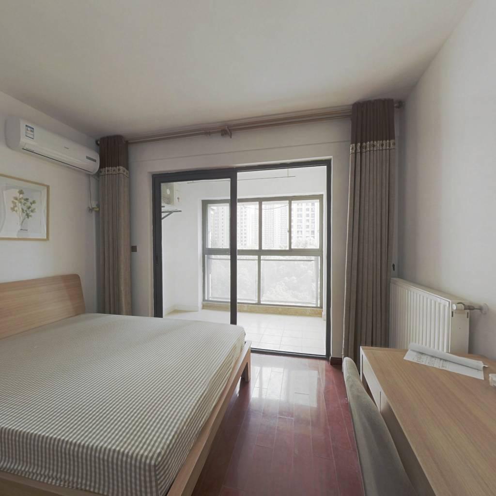 合租·复地东湖国际三期 6室1厅 北卧室图