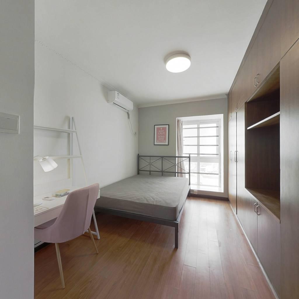 合租·时代骄子大厦 4室1厅 北卧室图