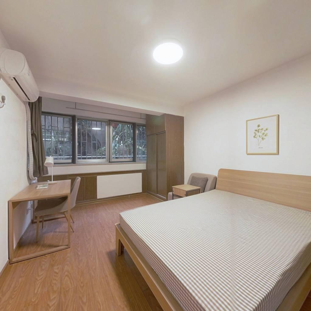 合租·樱驼花园思立园 4室1厅 南卧室图