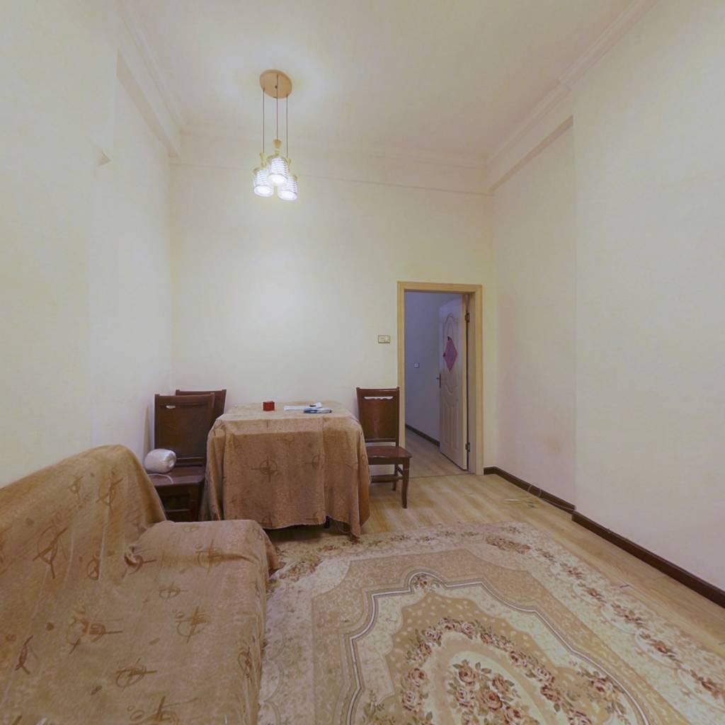 步梯2楼,一室一厅小户型,总价30万