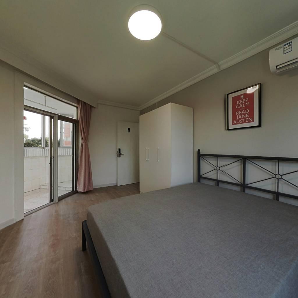 合租·华菁公寓 3室1厅 西卧室图