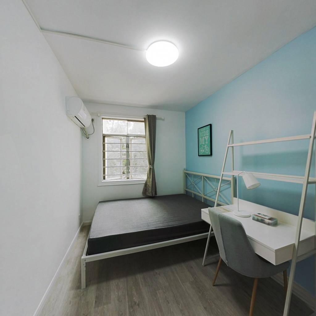 合租·莲花北村 4室1厅 北卧室图