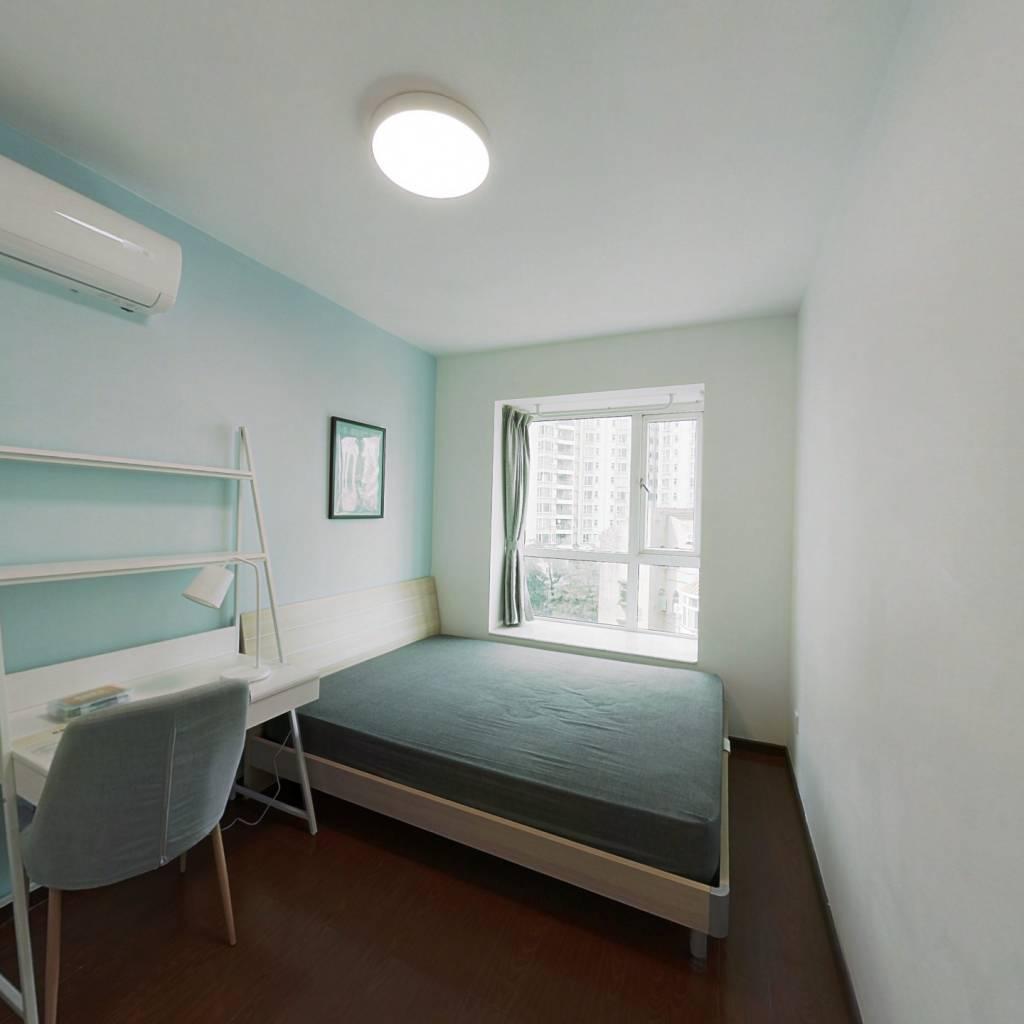 合租·侨城豪苑 4室1厅 南卧室图