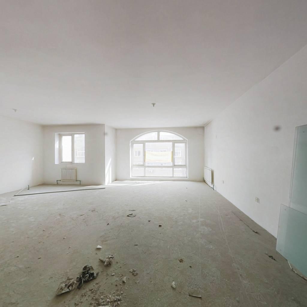 房屋正常出售 三台子二号线 大面积 可使用空间大