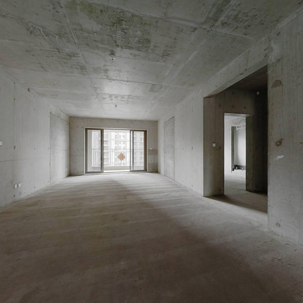 层高3.3米四室大平层 带车位 产权清晰 随时过户