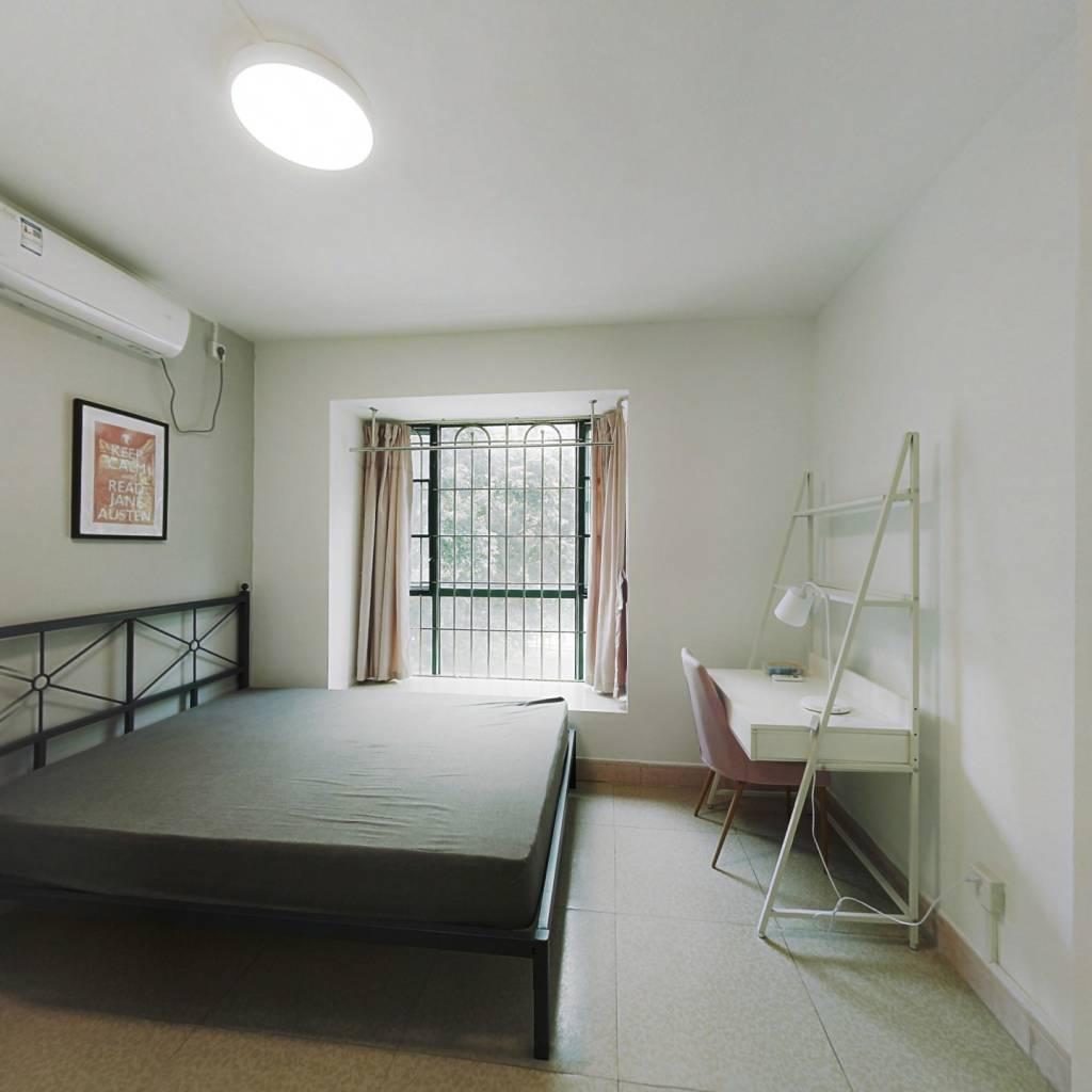 合租·云景花园云桦苑 3室1厅 东北卧室图