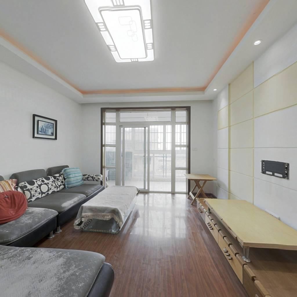 小河万科长江路地铁口精装顶楼复式房出售